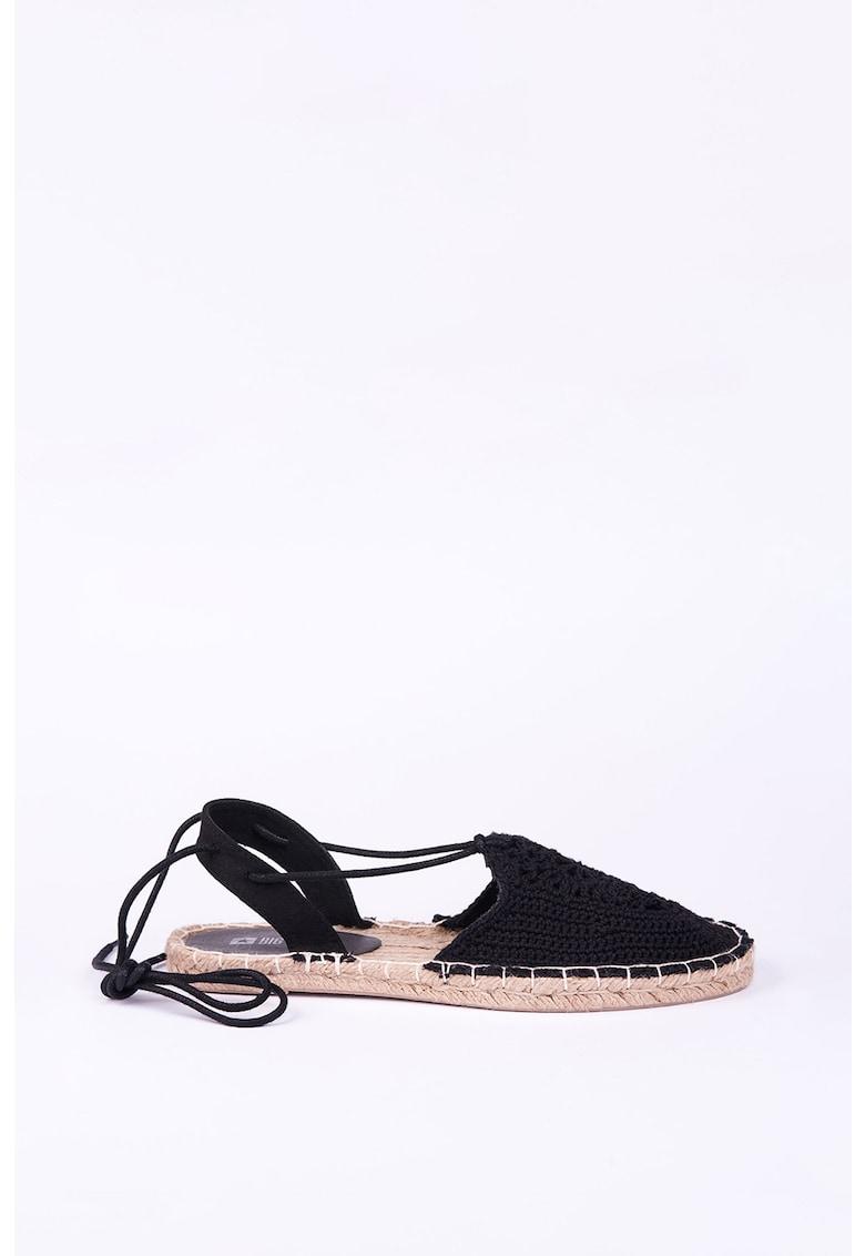 Sandale tip espadrile cu aspect crosetat