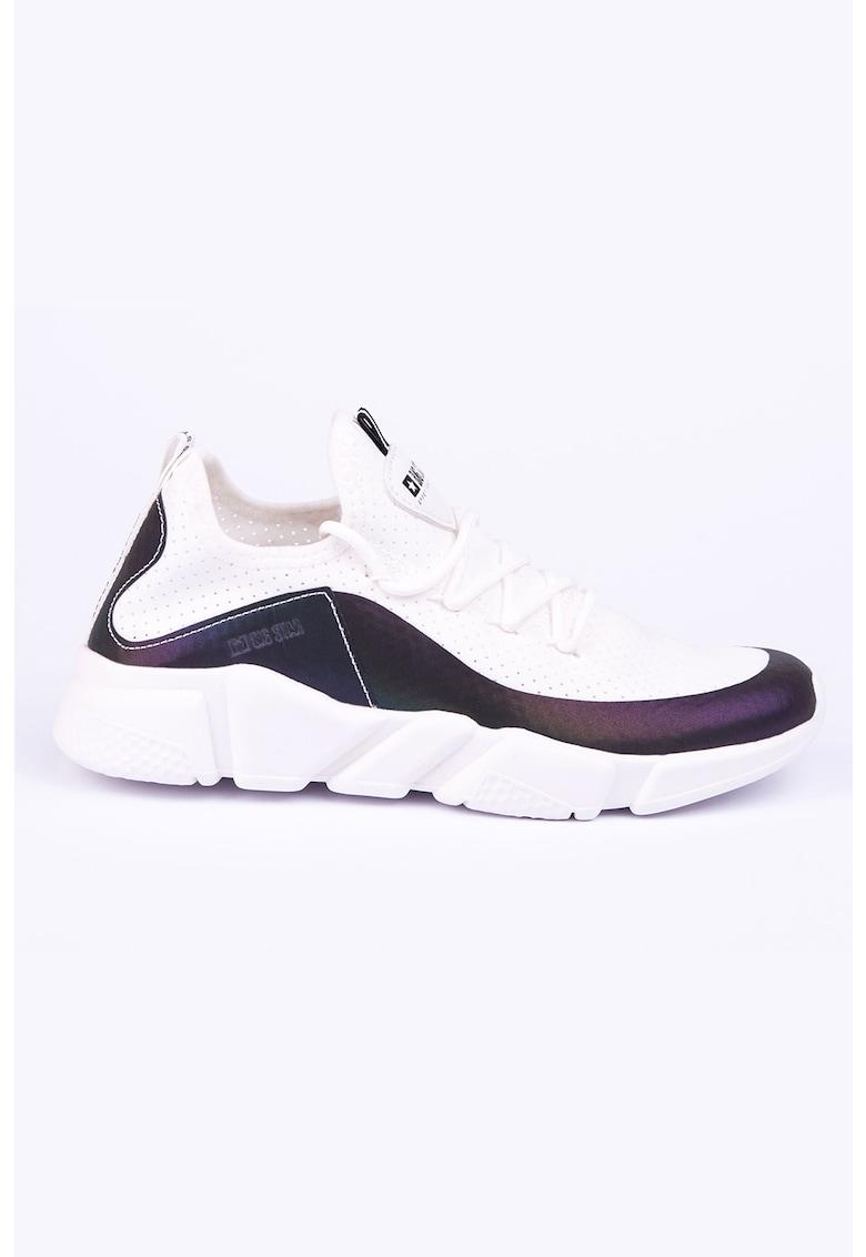Pantofi sport slip-on din piele ecologica cu aspect perforat imagine fashiondays.ro