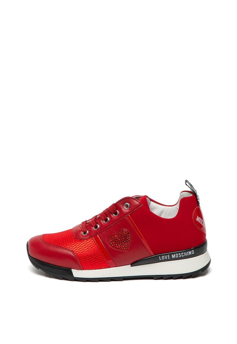 Pantofi sport cu aplicatii cu strasuri in forma de inima