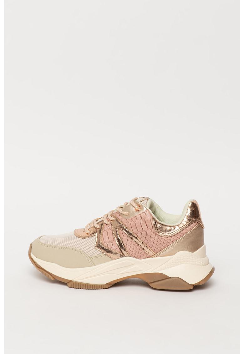 Pantofi sport cu talpa wedge si insertii din plasa