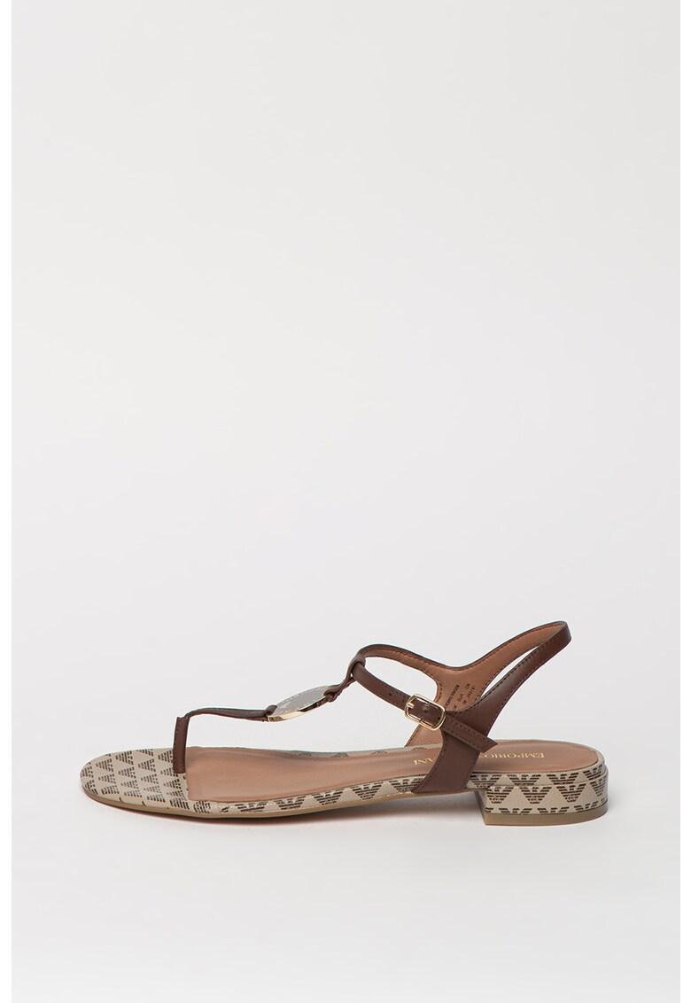 Sandale de piele cu bareta separatoare si logo metalic