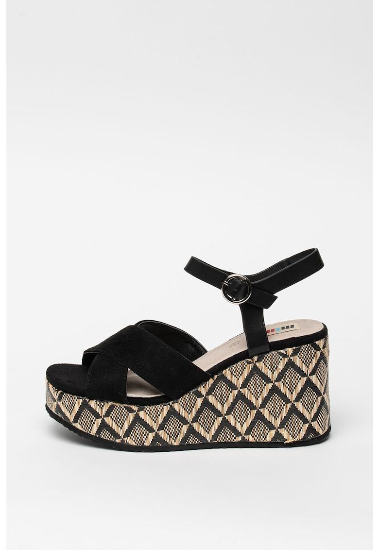 Sandale wedge de piele intoarsa ecologica cu barete incrucisate imagine fashiondays.ro