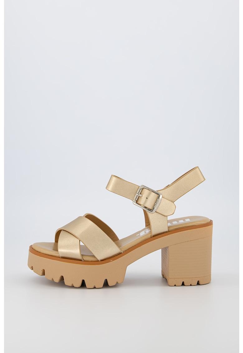 Sandale de piele ecologica cu talpa masiva imagine fashiondays.ro