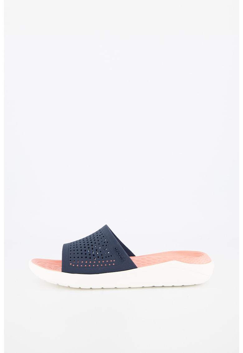 Papuci cu aspect perforat