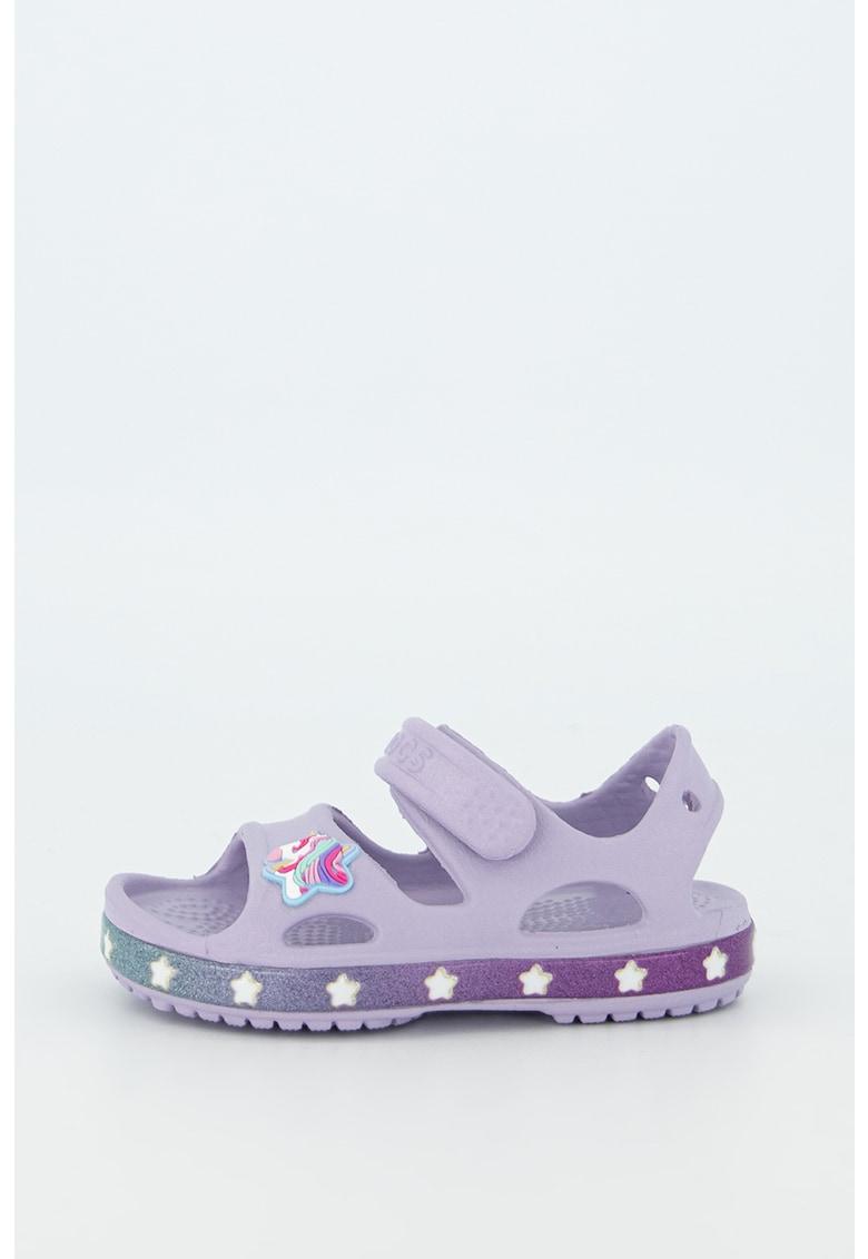 Sandale cu inchidere velcro si aplicatii cu unicorn