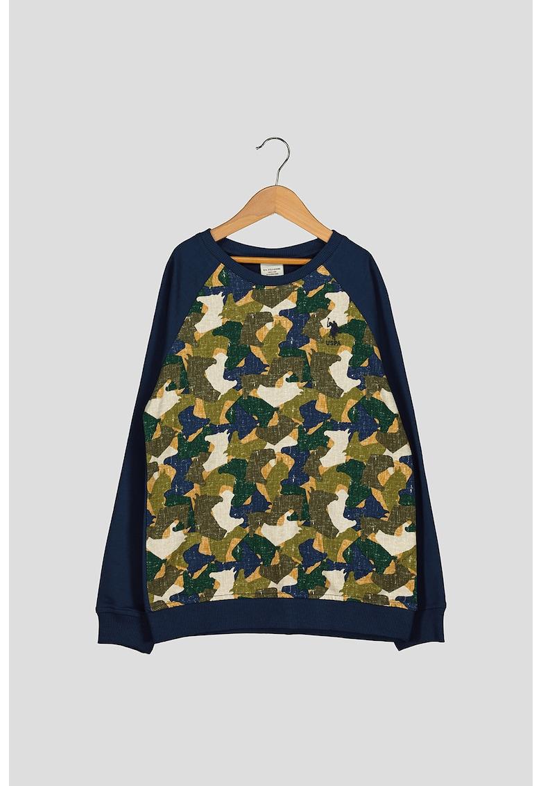 Bluza sport cu imprimeu camuflaj si broderie logo imagine fashiondays.ro 2021