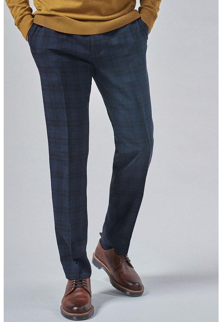 Pantaloni regular fit cu model in carouri thumbnail