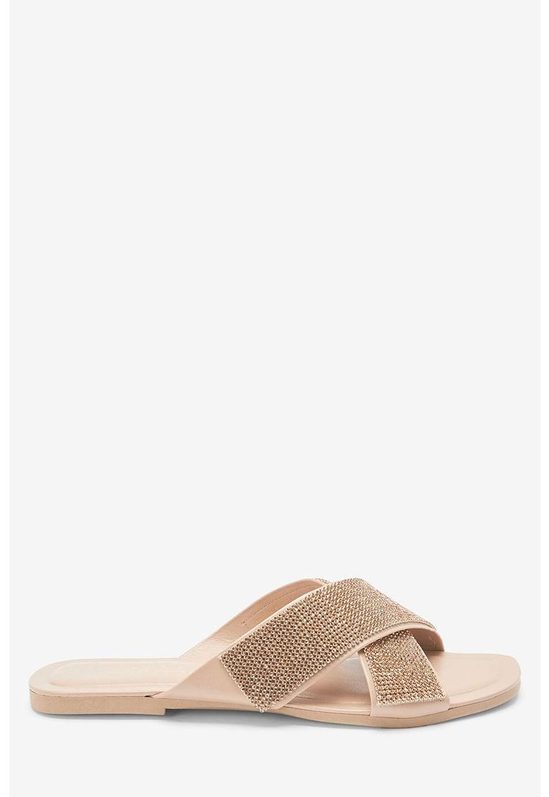 Papuci decorati cu strasuri