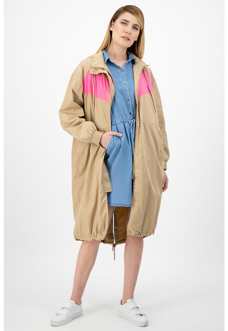 Jacheta lunga cu gluga