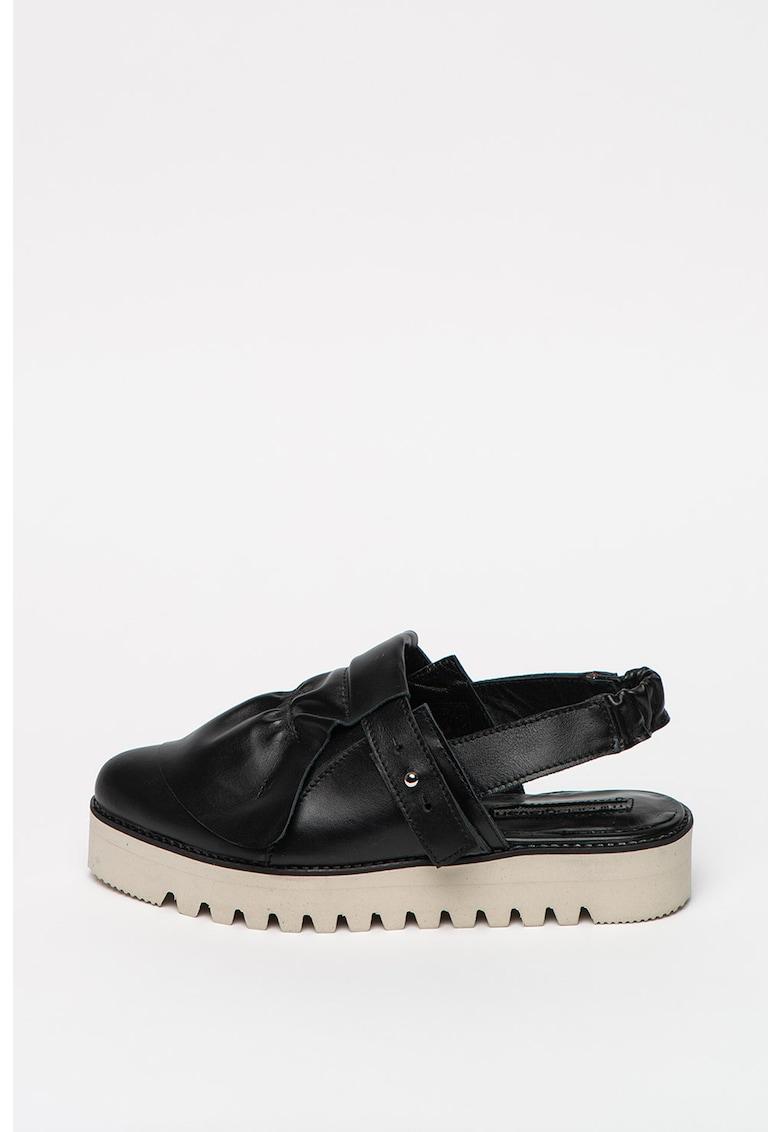 Pantofi slingback de piele cu aplicatie decorativa