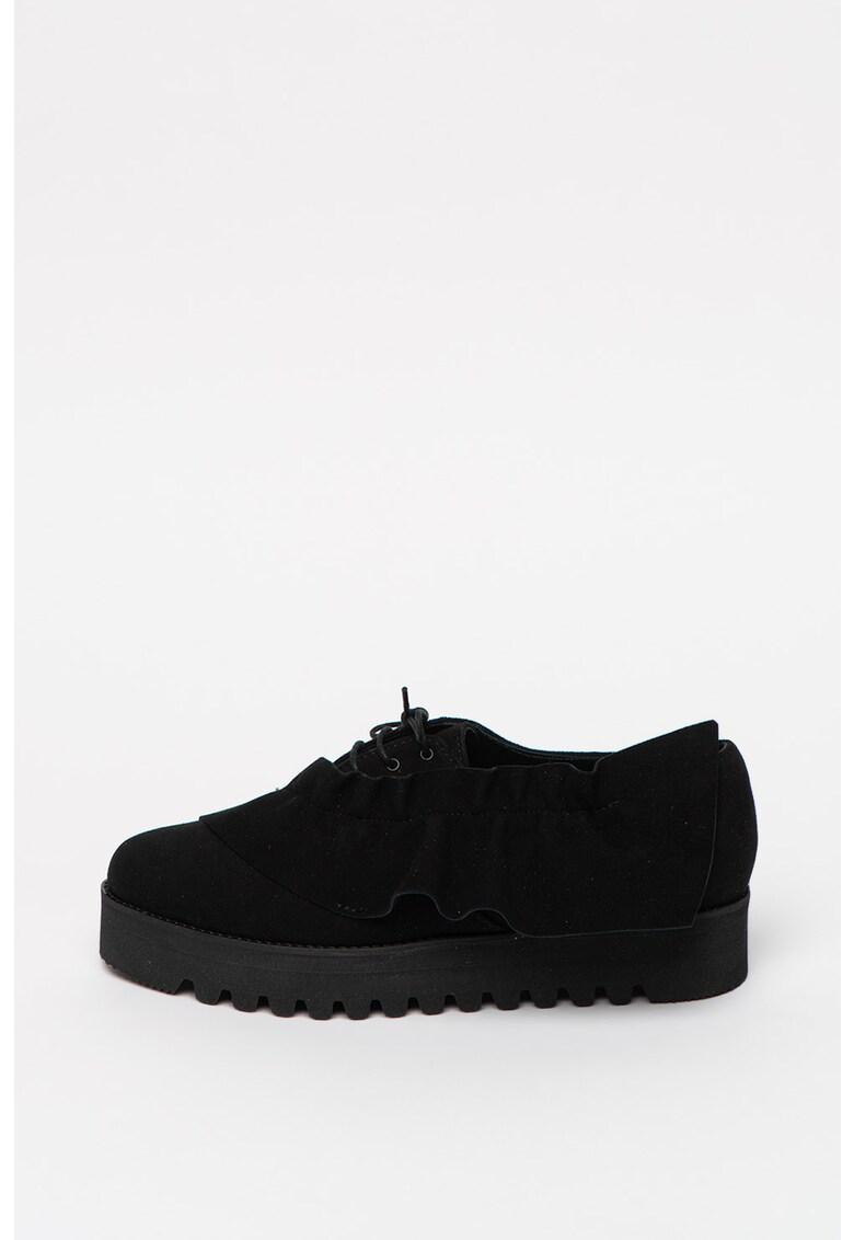 Pantofi de piele intoarsa cu varf ascutit
