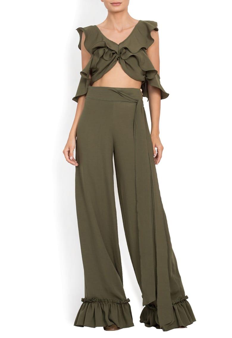 Pantaloni cu croiala ampla - talie inalta si volane