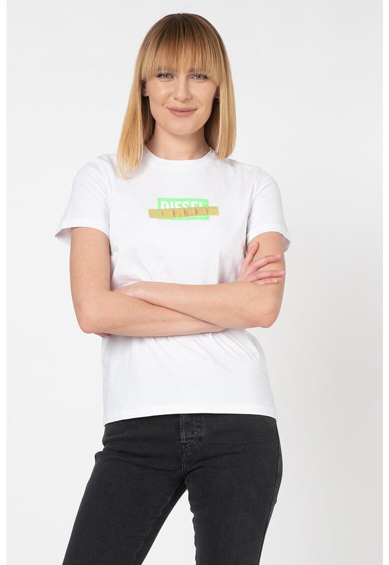 Tricou cu decolteu la baza gatului si imprimeu logo Sily fashiondays.ro