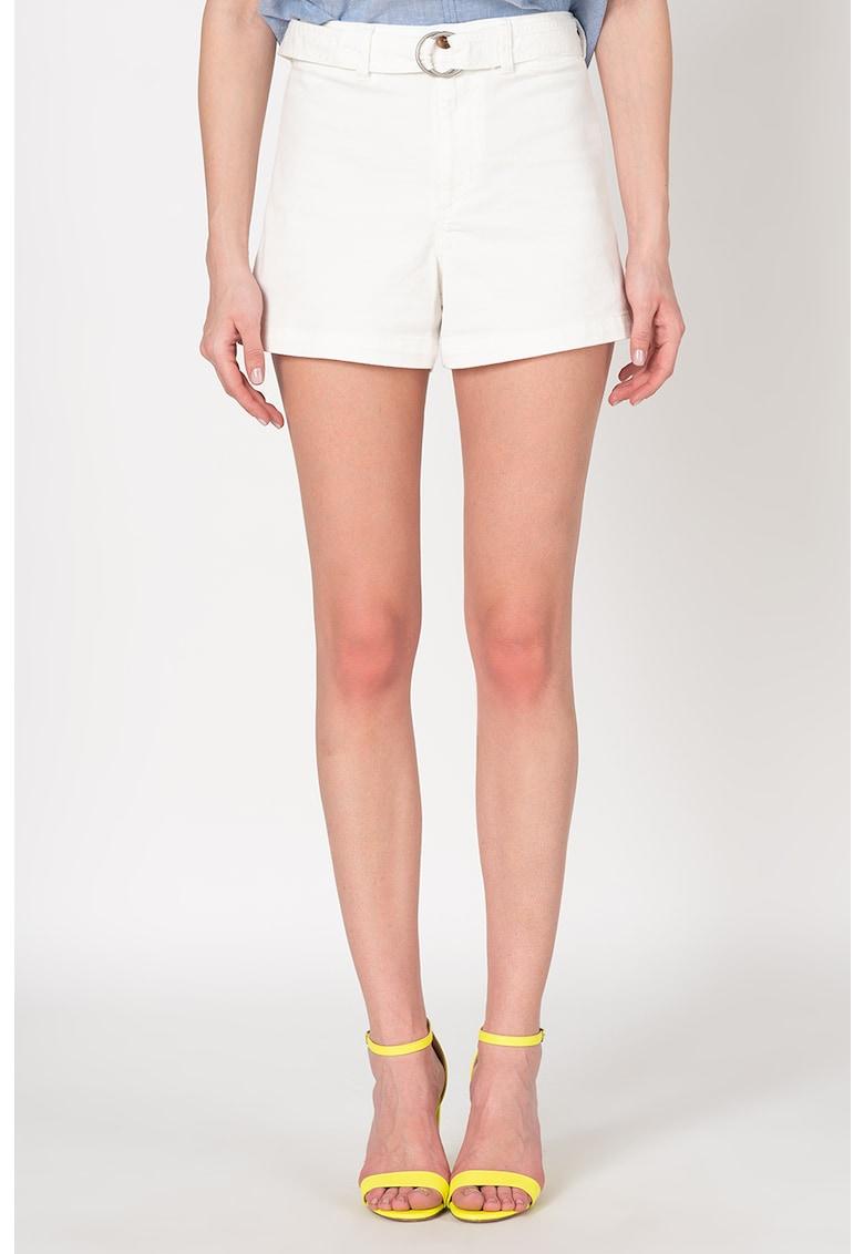 Pantaloni scurti cu talie inalta si curea imagine fashiondays.ro