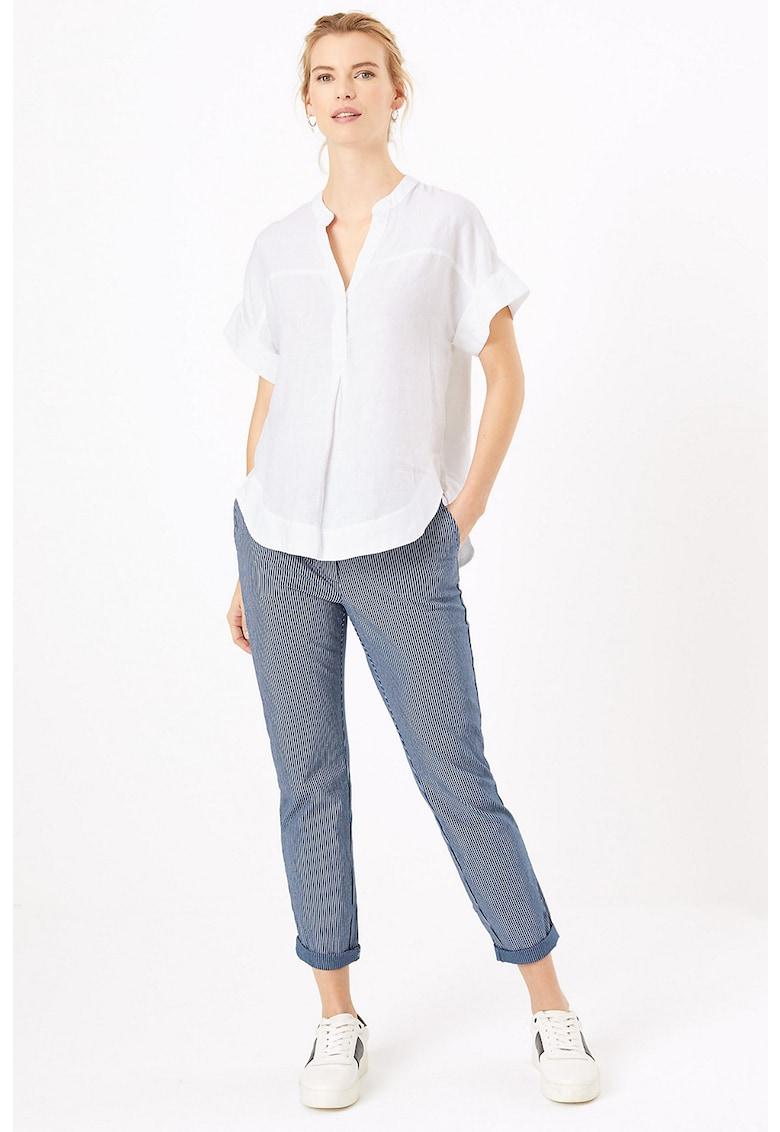 Pantaloni chino conici cu model in dungi