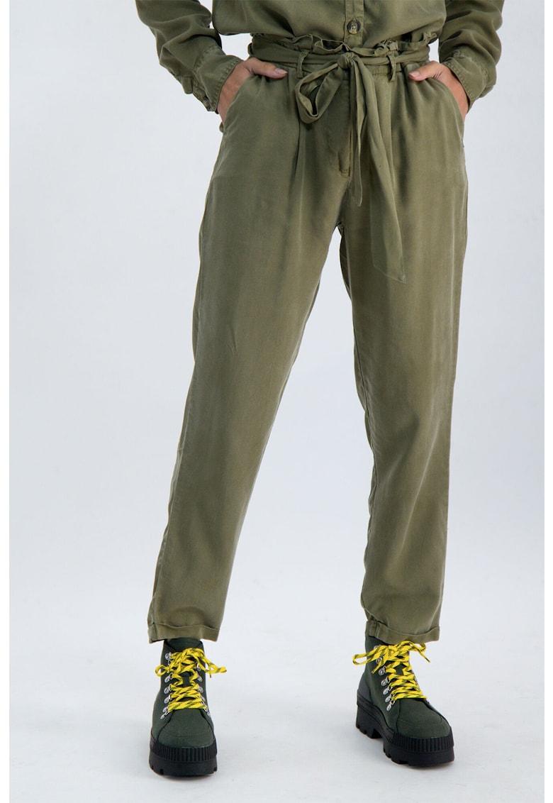 Pantaloni conici din lyocell cu cordon in talie imagine