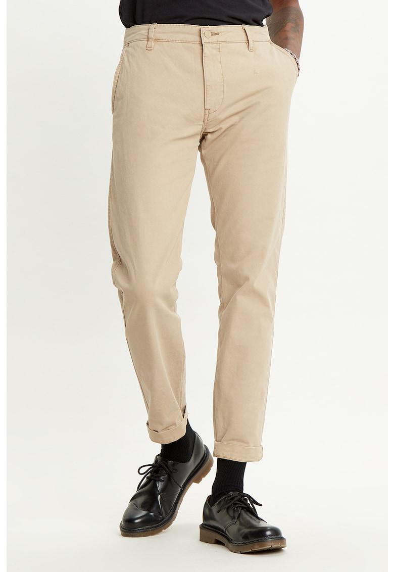 Pantaloni chino conici