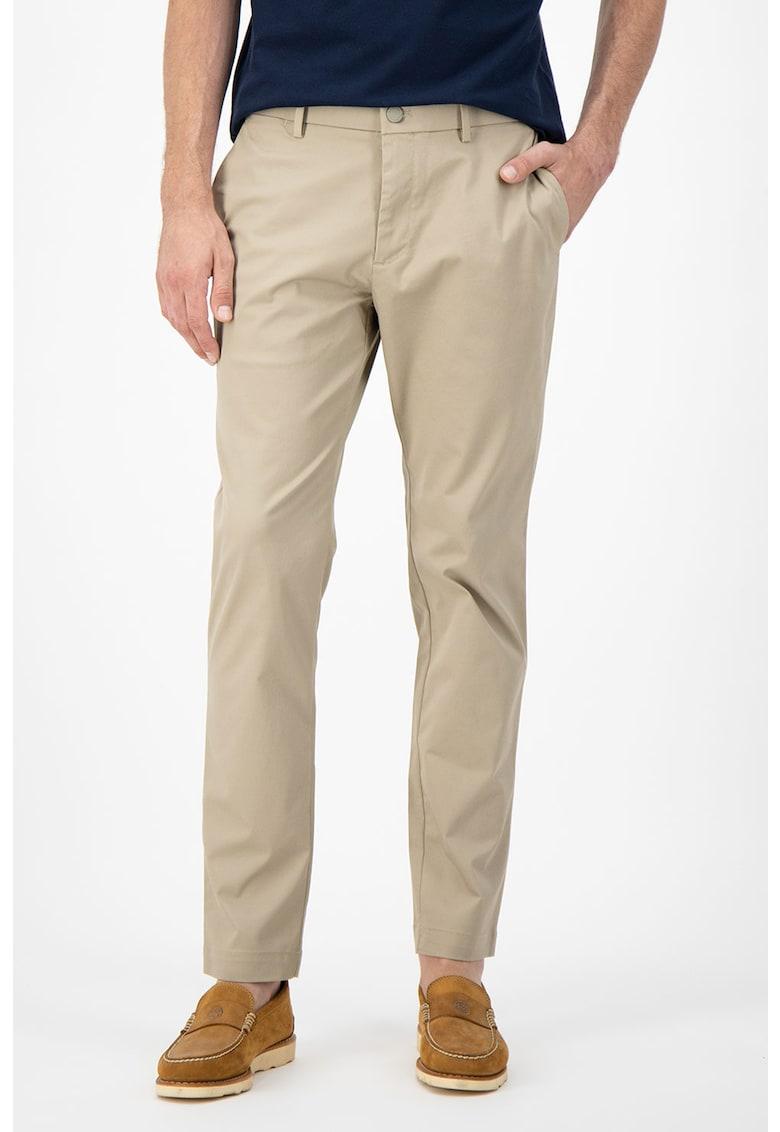 Pantaloni chino slim fit Aiden imagine fashiondays.ro