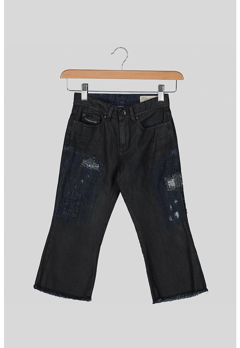 Blugi cu croiala ampla si aspect deteriorat Diesel fashiondays.ro