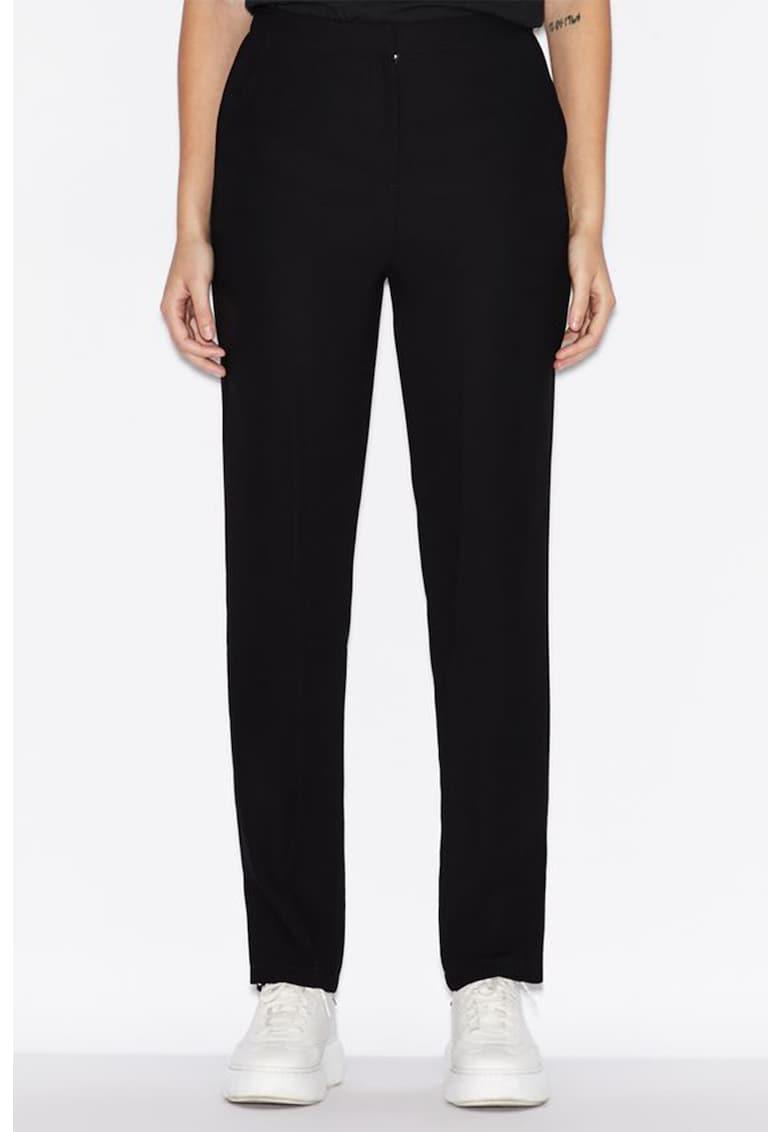 Pantaloni conici cu talie inalta