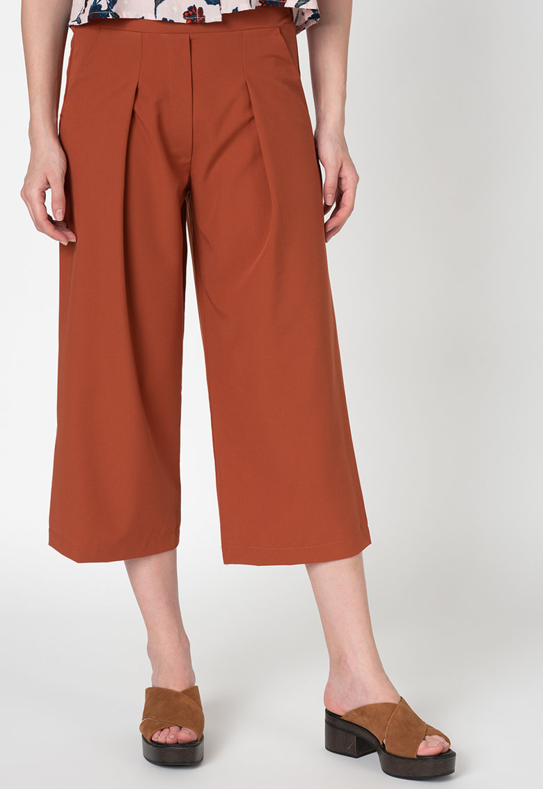 Pantaloni 3/4 cu croiala ampla