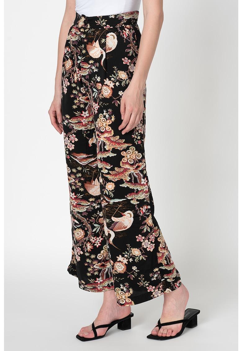 Pantaloni cu croiala ampla si imprimeu floral poza fashiondays