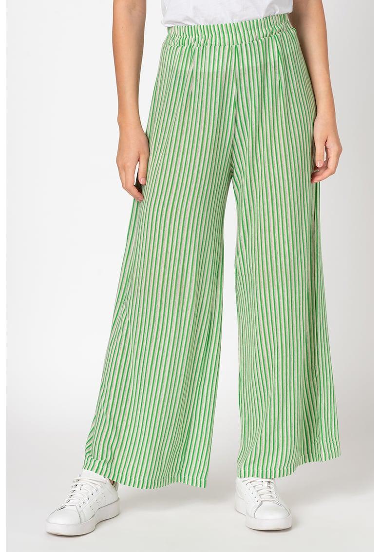 Pantaloni evazati cu model in dungi si talie elastica
