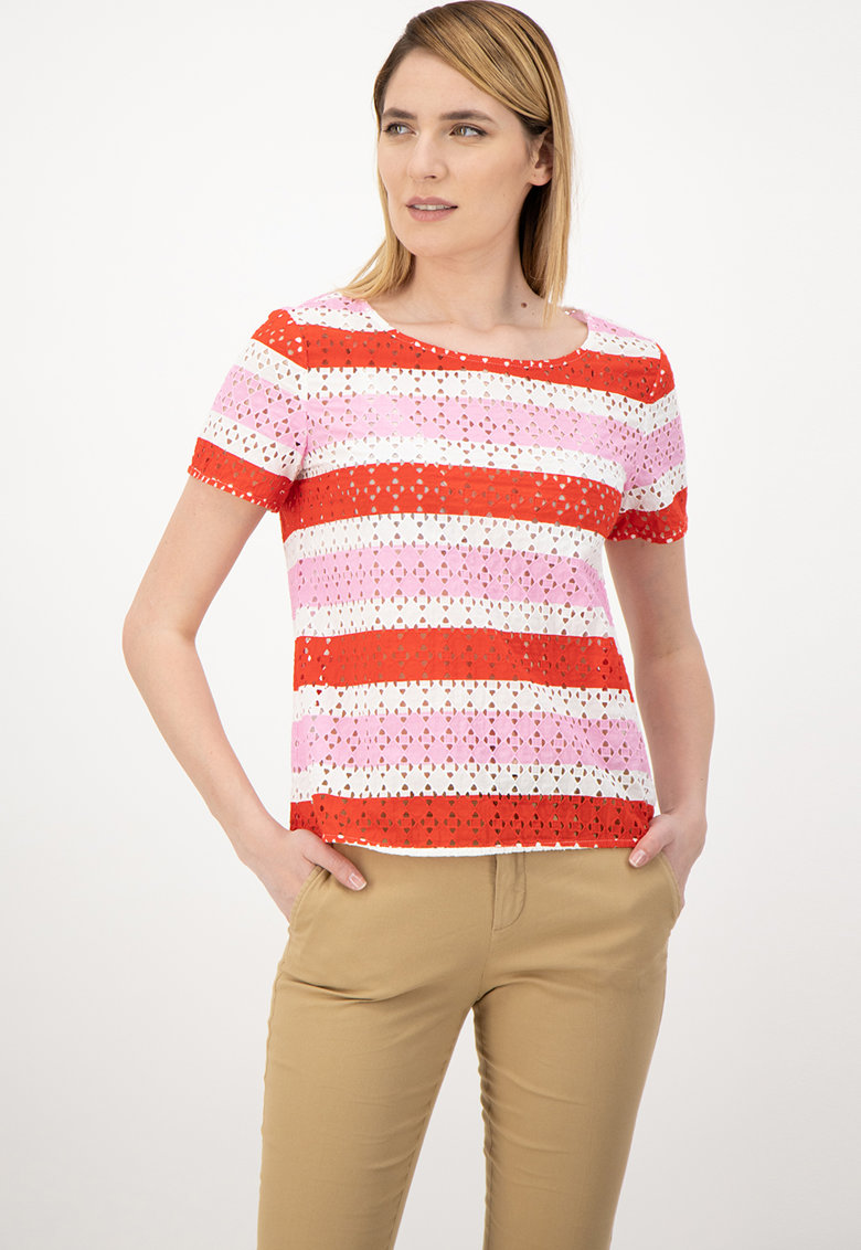Tricou cu model in dungi si aspect perforat United Colors of Benetton fashiondays.ro
