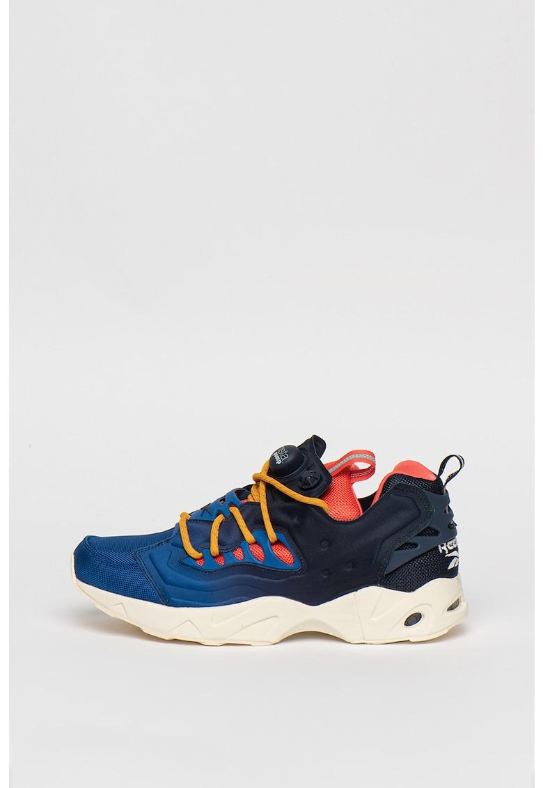 Pantofi sport cu design colorblock Instapump Fury Road MC90 1