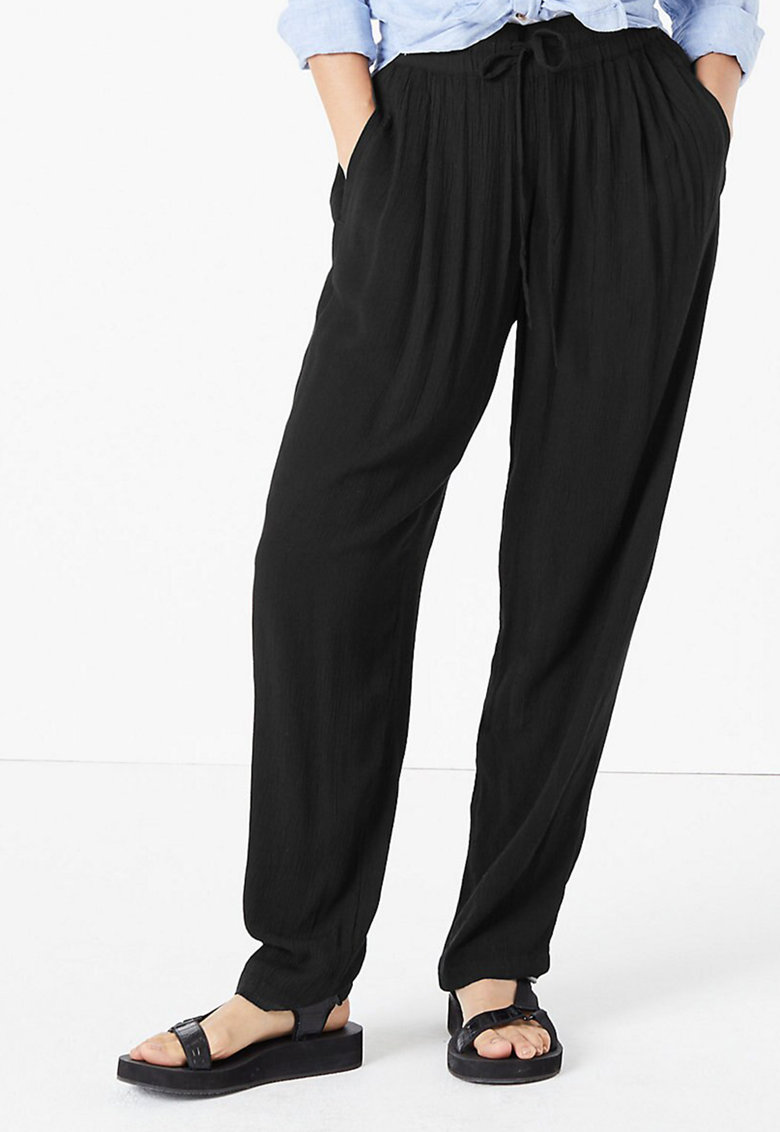 Pantaloni cu croiala conica si snur de ajustare