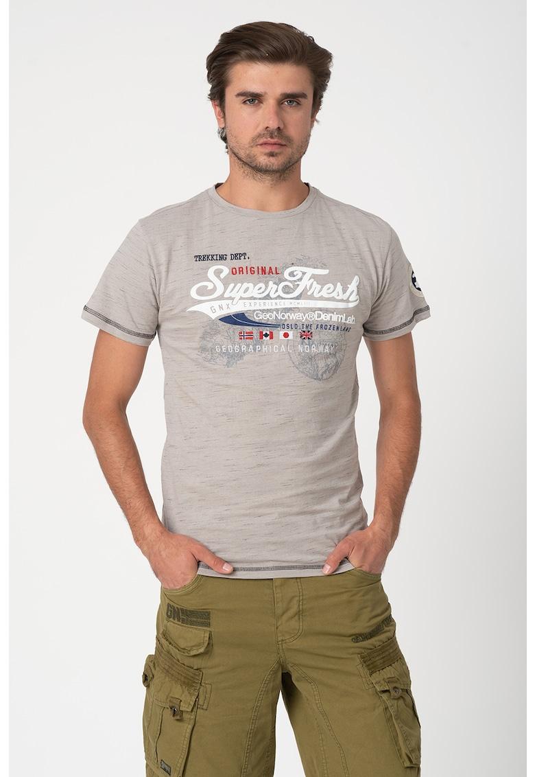 Tricou cu decolteu la baza gatului si imprimeu text Jortelo
