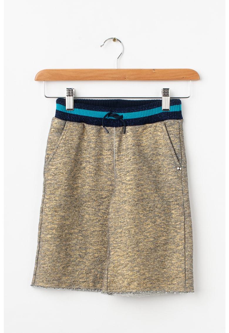 Pantaloni scurti cu garnitura constrastanta fashiondays.ro