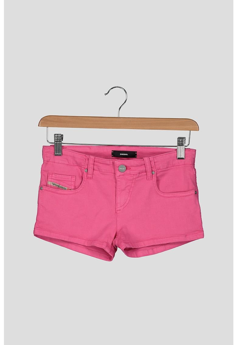 Pantaloni scurti de denim imagine