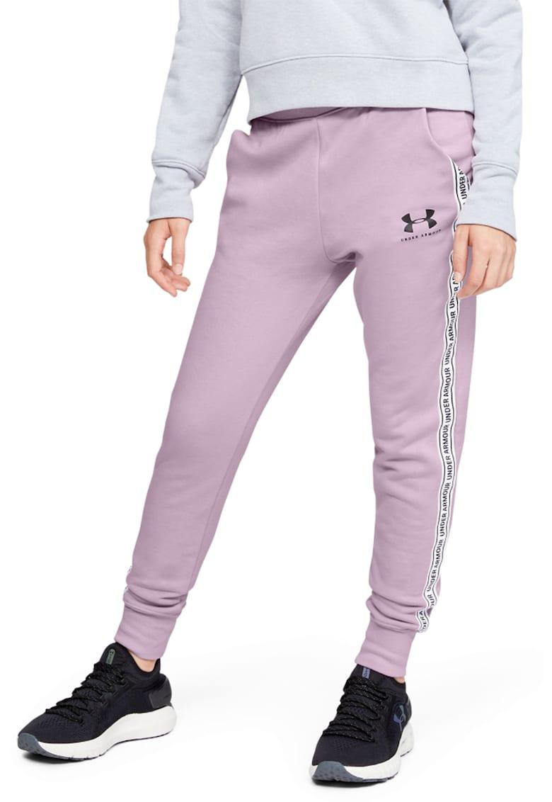Pantaloni sport cu croiala conica si buzunare oblice