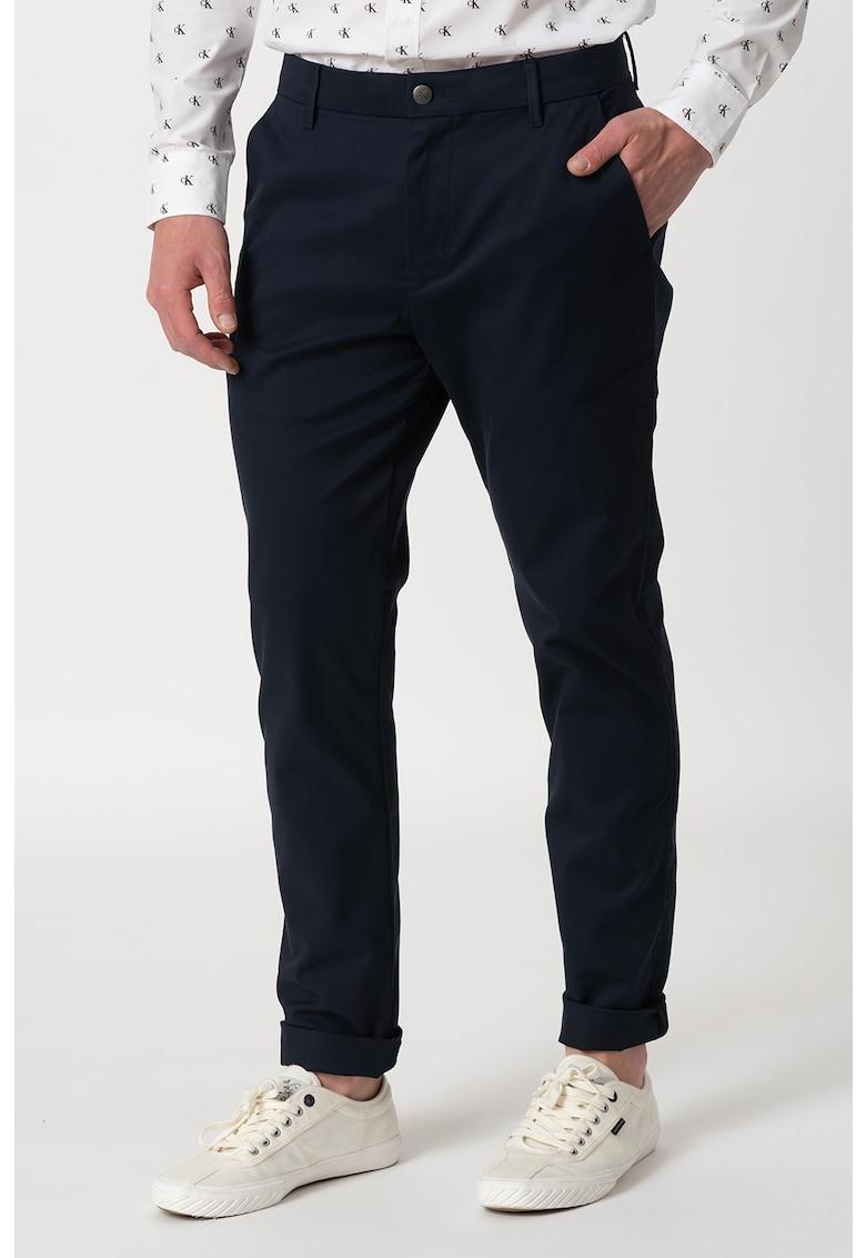 Pantaloni chino cu detaliu logo