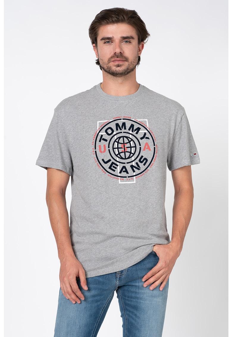 Tricou cu decolteu la baza gatului si imprimeu logo texturat