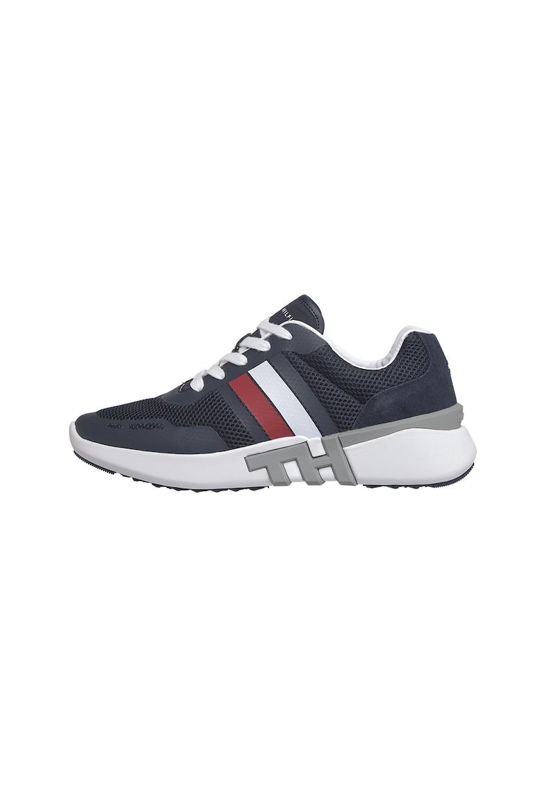 Pantofi sport cu insertii din plasa 3