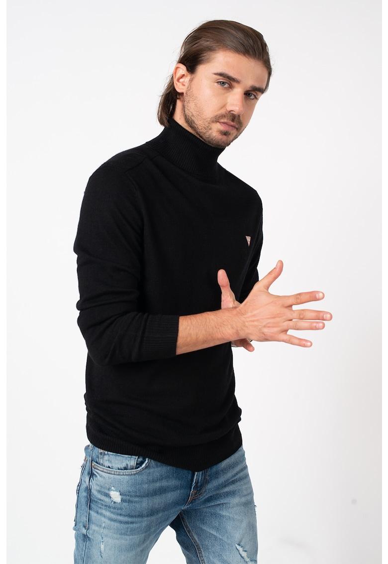 Pulover tricotat fin din amestec de lana cu guler inalt de la GUESS JEANS