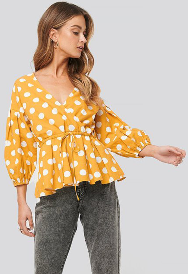 Bluza cu model cu buline