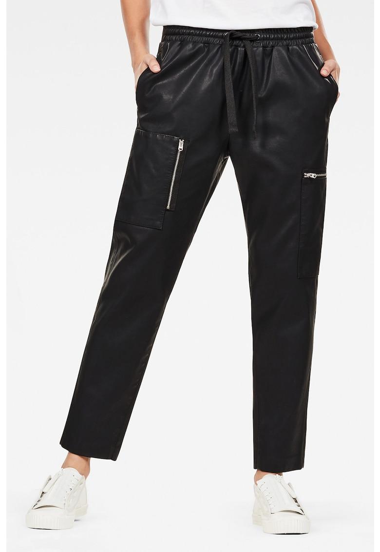 Pantaloni de piele ecologica cu snur