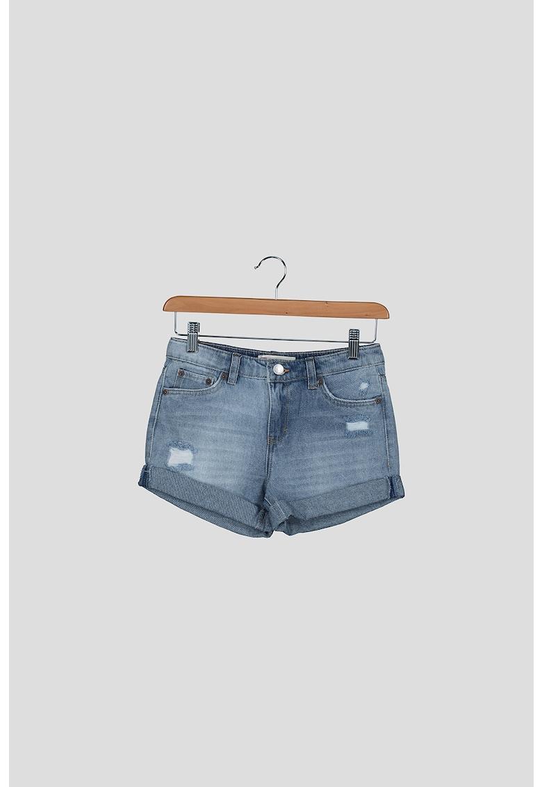 Pantaloni scurti de denim cu terminatii rasucite imagine