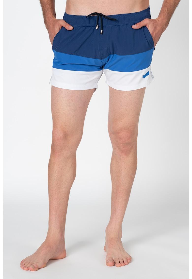 Pantaloni scurti de baie - cu model in dungi si snur in talie imagine