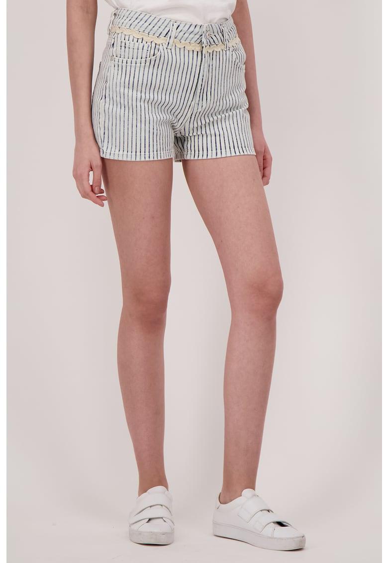 Pantaloni scurti de denim in dungi imagine