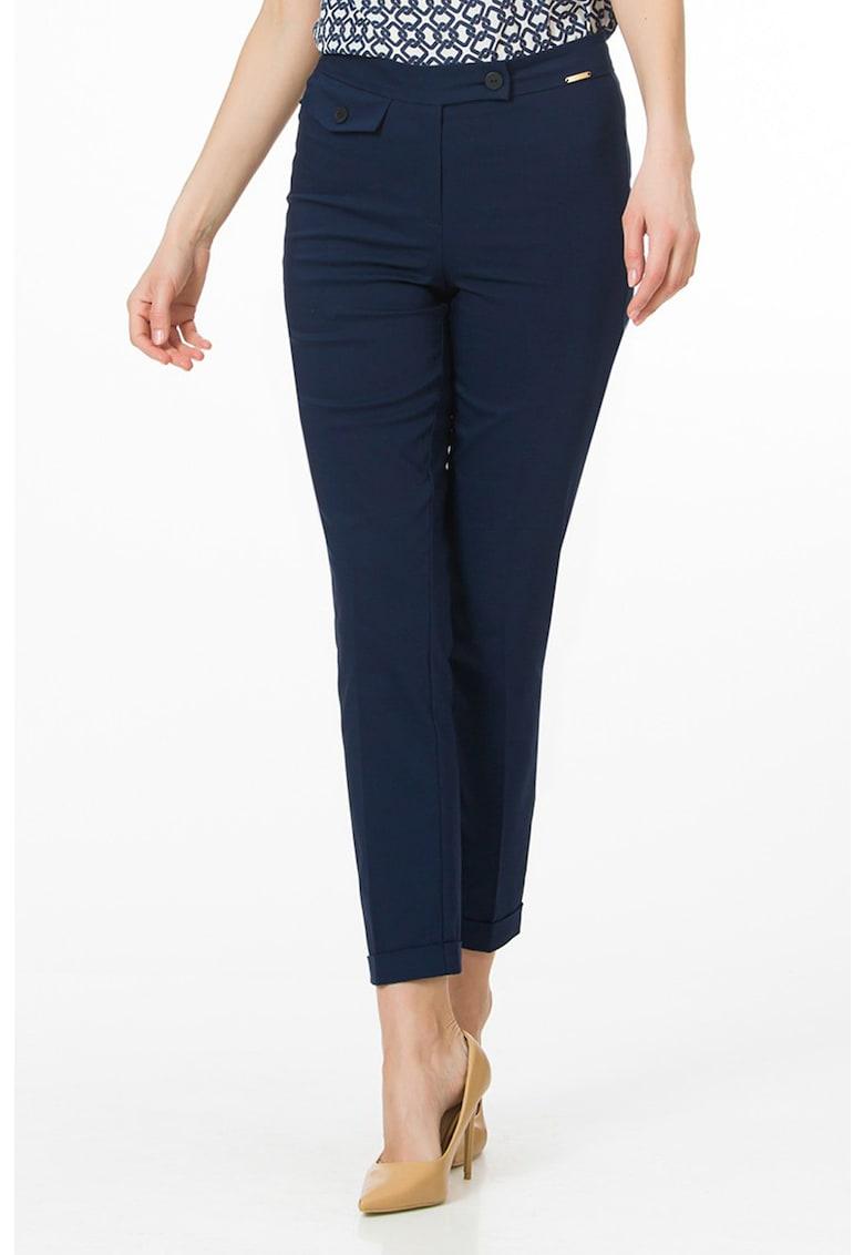Pantaloni cu talie medie