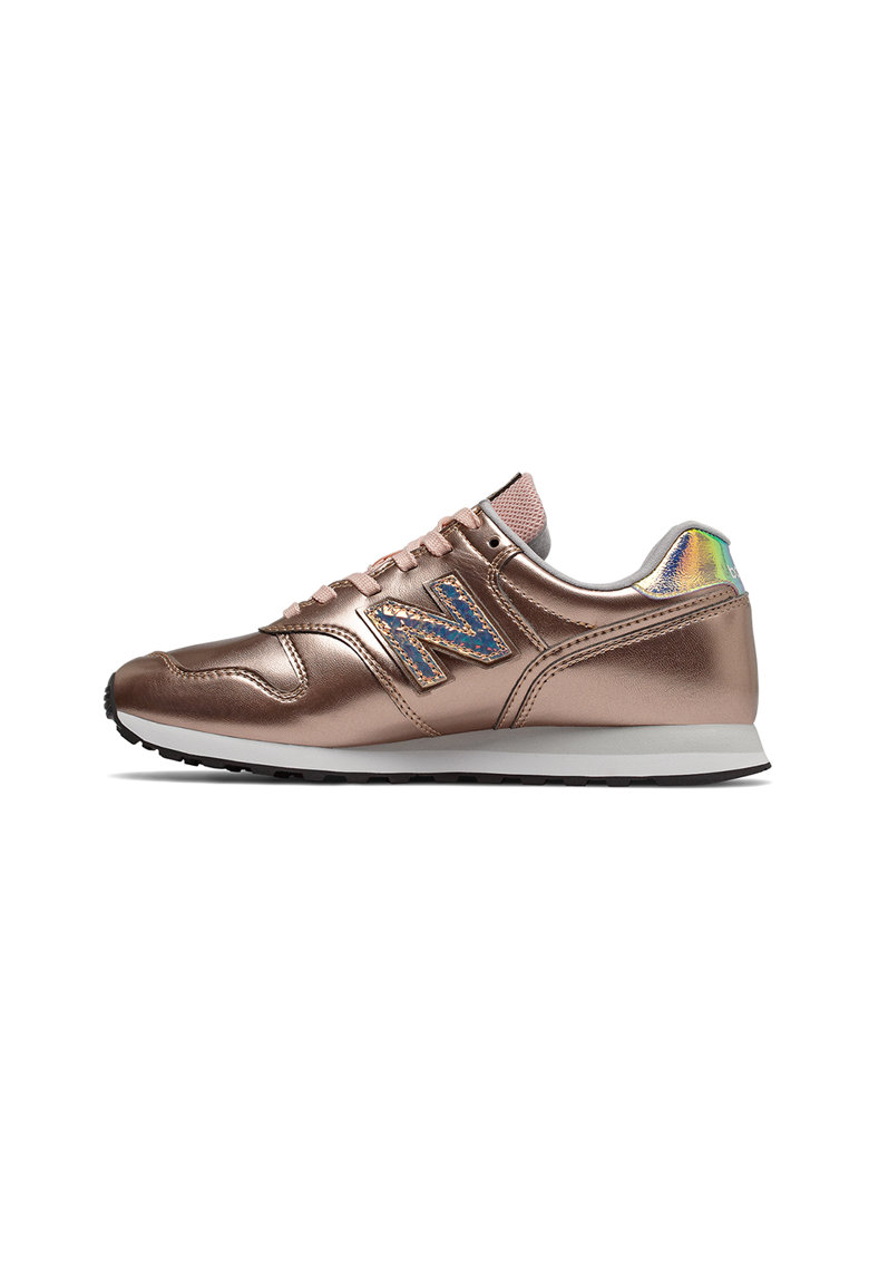 Pantofi sport de piele cu insertii de plasa 373