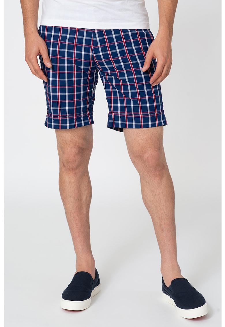 Pantaloni scurti cu model in carouri