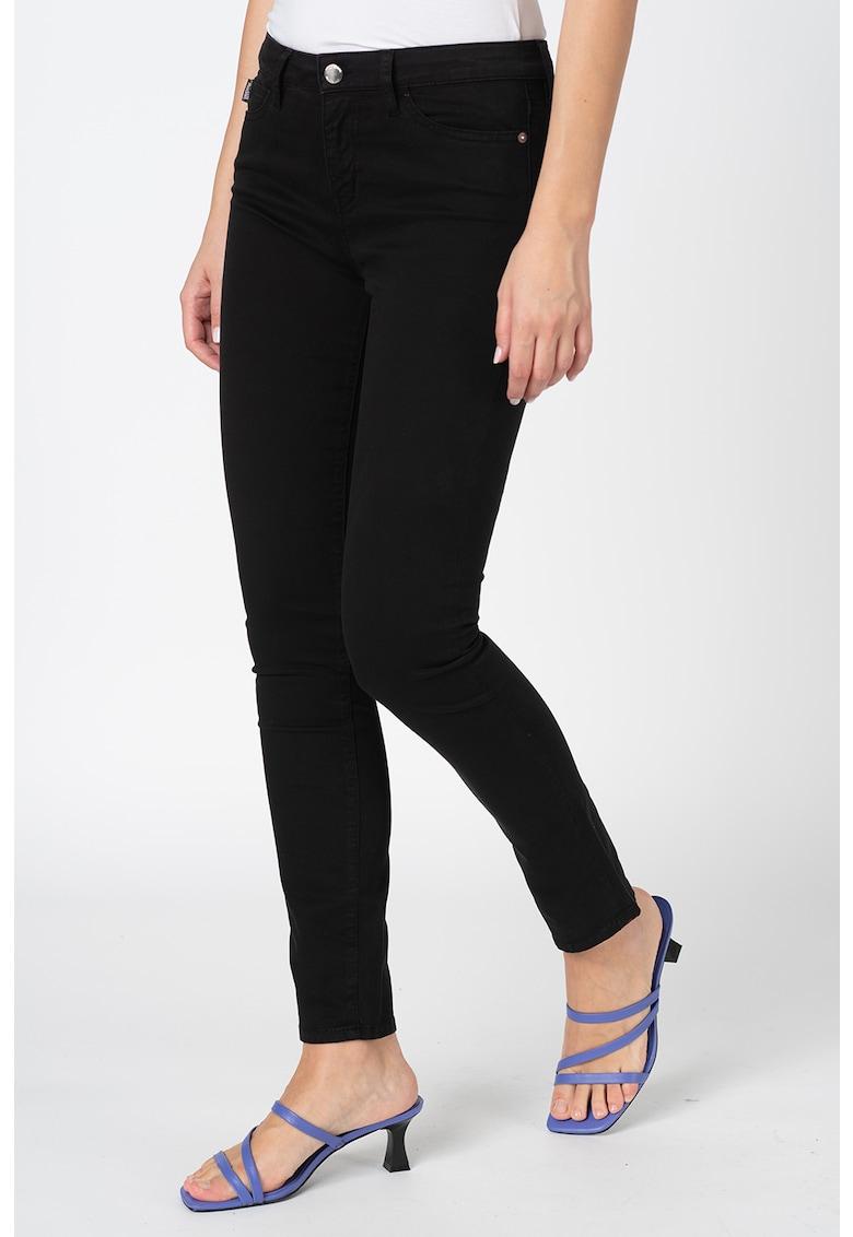 Pantaloni crop din denim