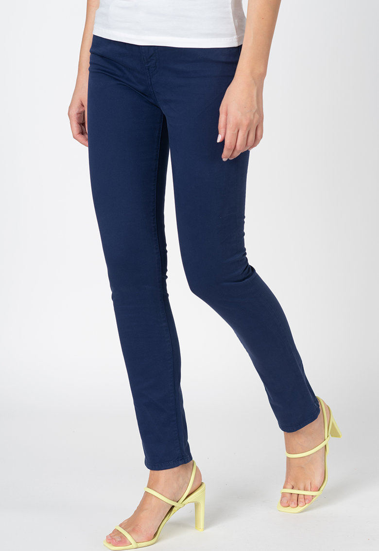 Pantaloni crop din denim