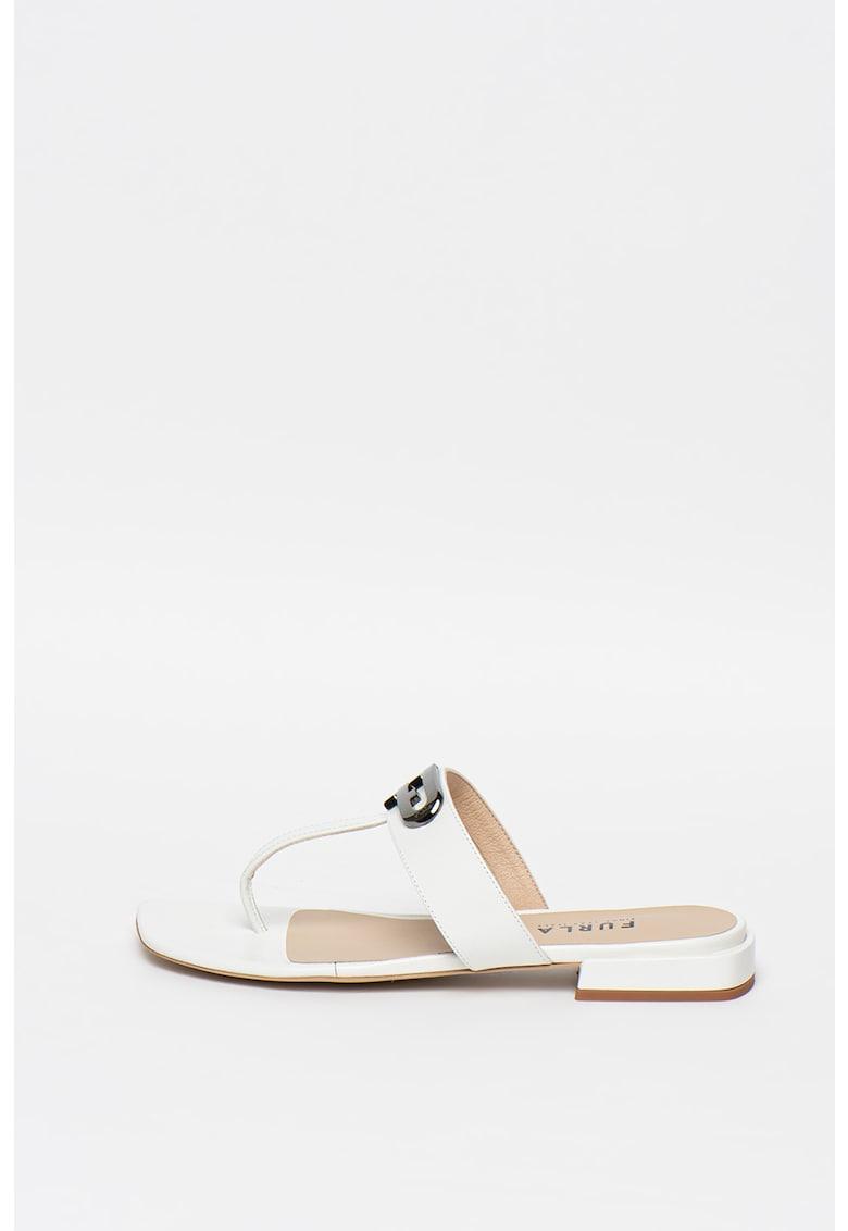 Papuci de piele cu bareta separatoare si aplicatie logo metalica imagine