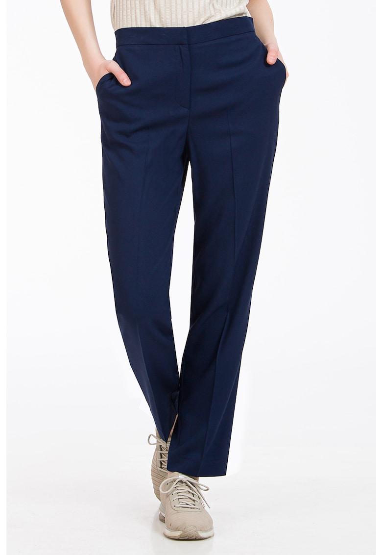 Pantaloni cu croiala dreapta si pense imagine fashiondays.ro